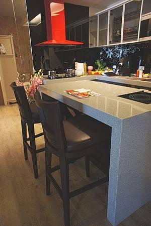 阿拉比卡吧台椅(胡桃)-實木貼橡木皮.jpg