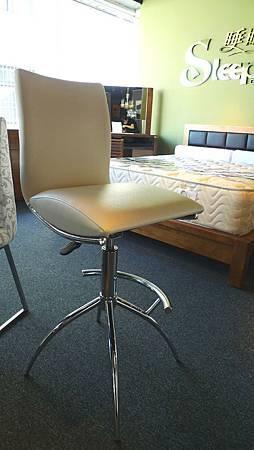 高背皮面吧台椅白色-不鏽鋼管+乳膠皮革.jpg