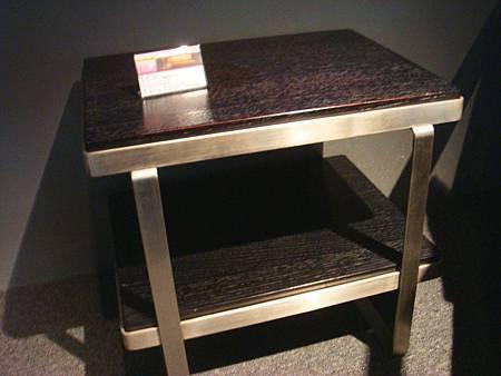 簡潔俐落雙層不銹鋼小茶几(黑)-高級MDF貼橡木皮紋.jpg