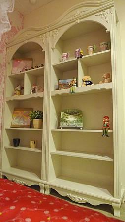 貝妮亞2.7尺書櫥(米白)-MDF全烤式.jpg