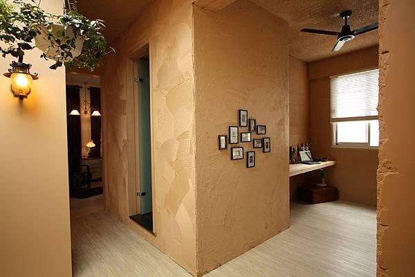 浴廁外觀與廊道.jpg