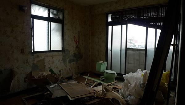 舊主臥室.jpg