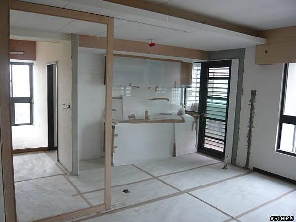 木作工程~包含冷氣封板, 天花板, 主臥書房隔間, 電視牆, 拉門~7.jpg