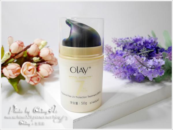 一瓶搞定不乖的膚質,經典日霜推薦。 OLAY歐蕾。多元修護日霜 (1).jpg
