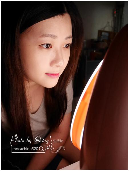 化妝台上的必備精品。YUWA。自然光化妝鏡燈。開箱新體驗 (10).jpg