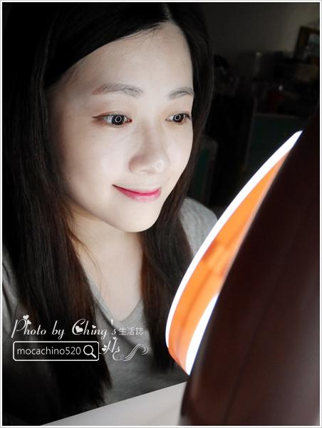 化妝台上的必備精品。YUWA。自然光化妝鏡燈。開箱新體驗 (11).jpg