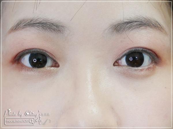 不接睫毛也能擁有迷人電眼。我的眼睛放大術。dejavu放肆驚艷超長進化版睫毛膏+就是不暈持久極細毛筆型眼線液 (5).jpg