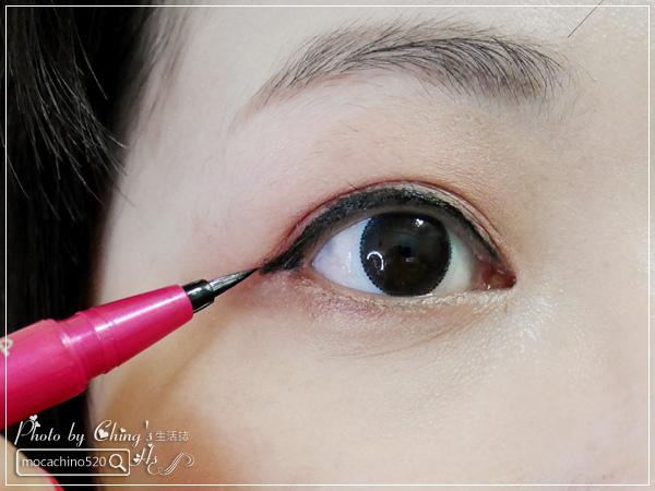 不接睫毛也能擁有迷人電眼。我的眼睛放大術。dejavu放肆驚艷超長進化版睫毛膏+就是不暈持久極細毛筆型眼線液 (6).jpg