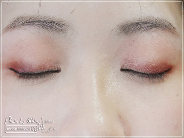 不接睫毛也能擁有迷人電眼。我的眼睛放大術。dejavu放肆驚艷超長進化版睫毛膏+就是不暈持久極細毛筆型眼線液 (8).jpg