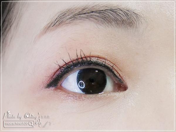 不接睫毛也能擁有迷人電眼。我的眼睛放大術。dejavu放肆驚艷超長進化版睫毛膏+就是不暈持久極細毛筆型眼線液 (14).jpg