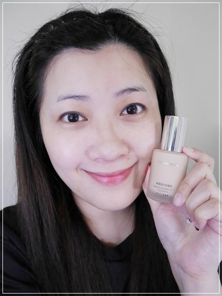 打造高清畫質絲緞光感透嫩妝容。FRANCENA法蘭西娜 輕透緞光粉底液 (3).jpg