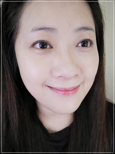 打造高清畫質絲緞光感透嫩妝容。FRANCENA法蘭西娜 輕透緞光粉底液 (7).jpg