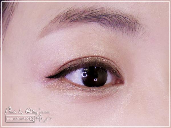 眼睛放大術。質感系眼妝分享。KATE凱婷 奢光燦魅眼影盒、進化版持久液體眼線筆EX (11).jpg