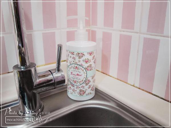 還我纖纖玉手,居家香氛手部保養。韓國 EVAS 玫瑰花園香水洗手乳、玫瑰香水護手霜 (4).jpg