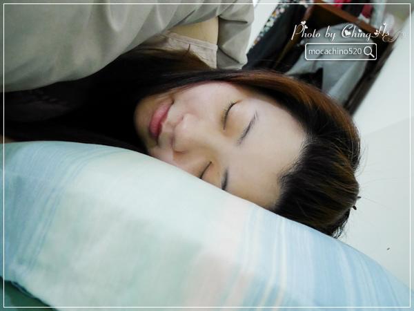 選對枕頭讓我一夜好眠,居家小物分享。GreySa格蕾莎 熟眠記形枕,枕頭推薦 (9).jpg