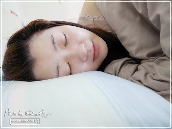 選對枕頭讓我一夜好眠,居家小物分享。GreySa格蕾莎 熟眠記形枕,枕頭推薦 (11).jpg