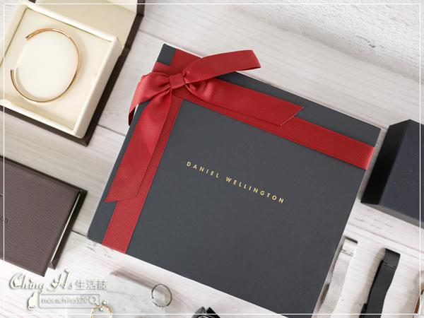 聖誕禮物開箱,Daniel Wellington 聖誕禮盒,我的時尚單品DW錶76折下單教學 (2).jpg