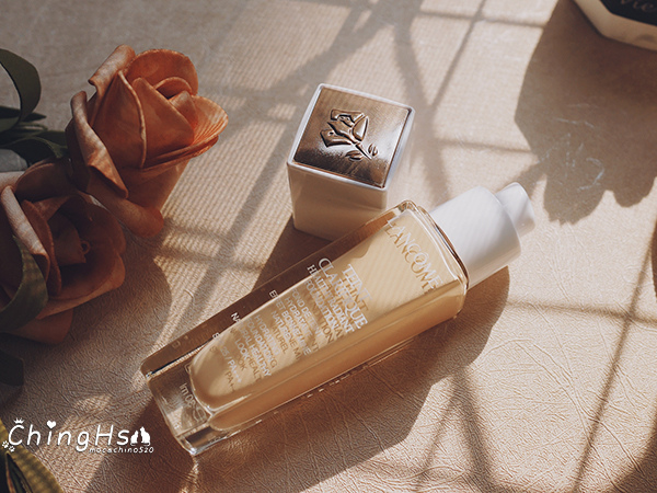 專櫃保濕粉底液推薦,LANCOME蘭蔻 超極光精華水粉底,奶油肌光澤肌持妝一天不脫妝 (2).jpg