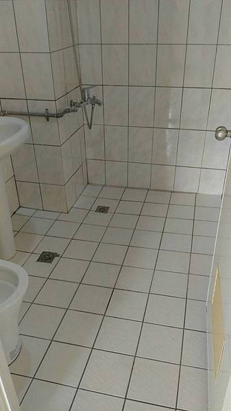 亮鼎廁所後.jpg
