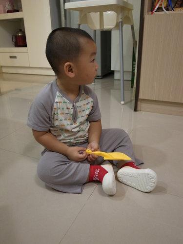 〈體驗〉Attipas快樂腳幼兒襪型學步鞋‧穿脫輕輕鬆鬆