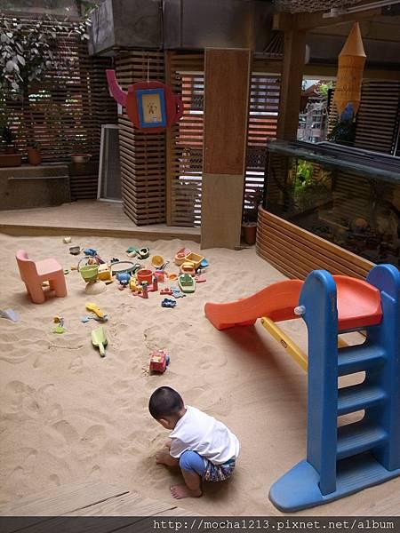 童年空間-親子成長館