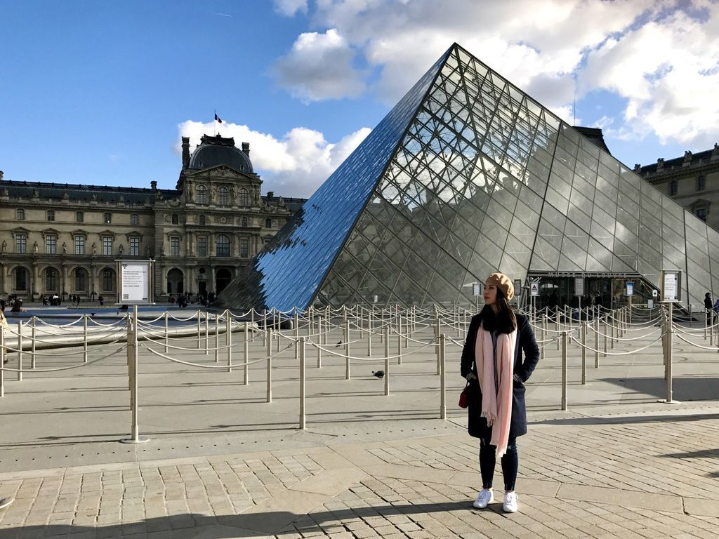 巴黎羅浮宮金字塔2.JPG