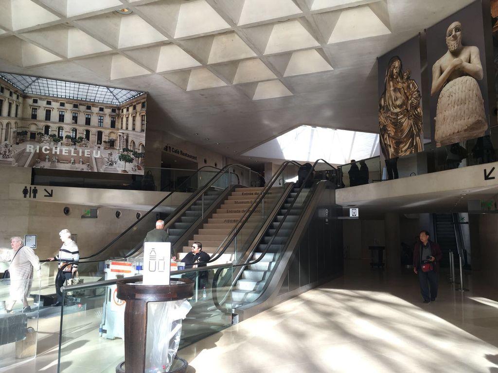 法國巴黎羅浮宮9.JPG