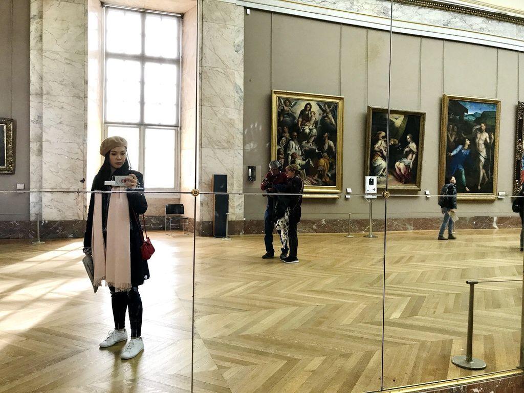 巴黎羅浮宮自拍1.JPG