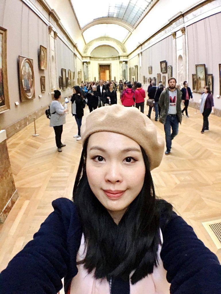 巴黎羅浮宮自拍2.JPG