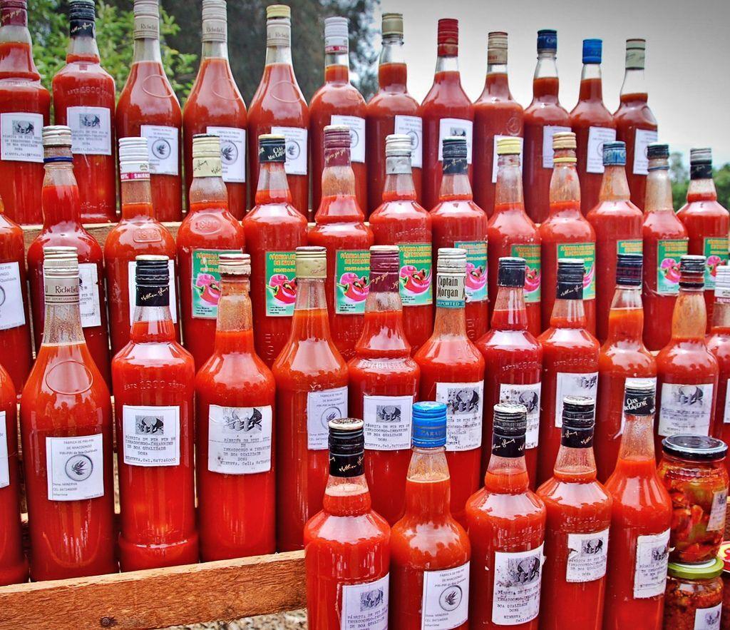 Piri_piri_sauce_in_Mozambique.jpg