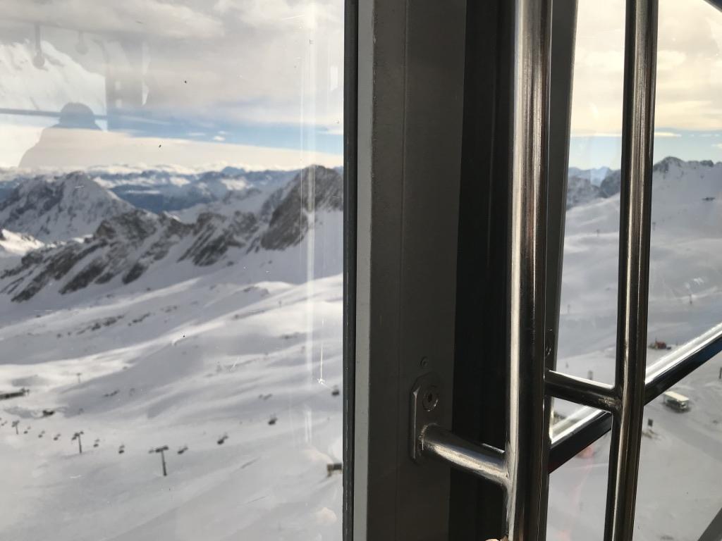 德國第一高峰|楚格峰Zugspitze|冰川平台|登頂纜車|全新纜車.jpg