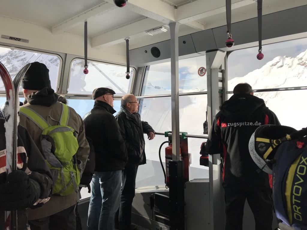 德國第一高峰|楚格峰Zugspitze|冰川平台|登頂纜車.jpg