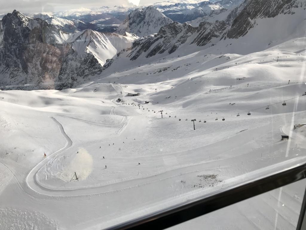 德國第一高峰|楚格峰Zugspitze|120人大纜車.jpg