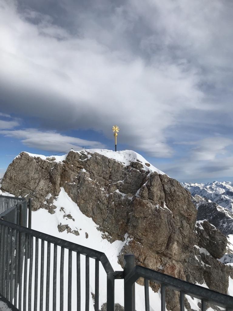德國最高峰|楚格峰Zugspitze|最高點|金色十字架.jpg
