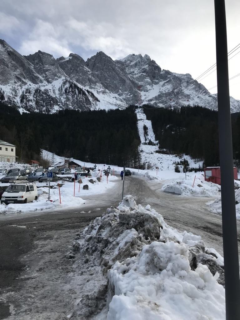 德國最高峰|楚格峰Zugspitze|艾比湖停車場.jpg