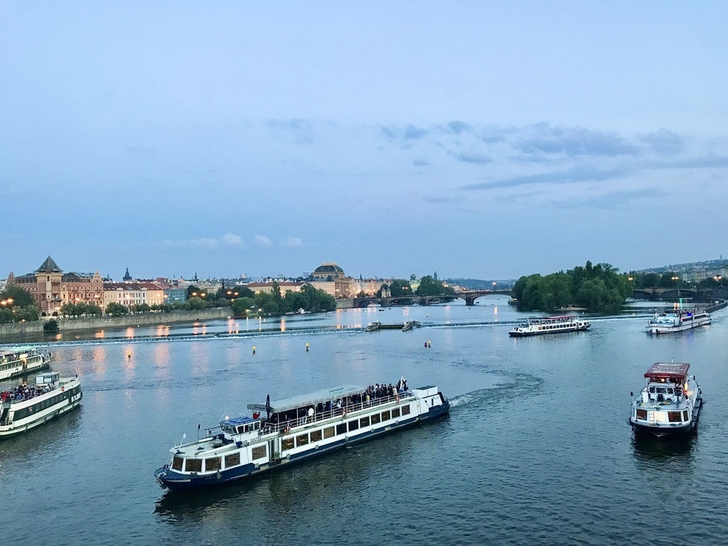 伏爾塔瓦河.jpg