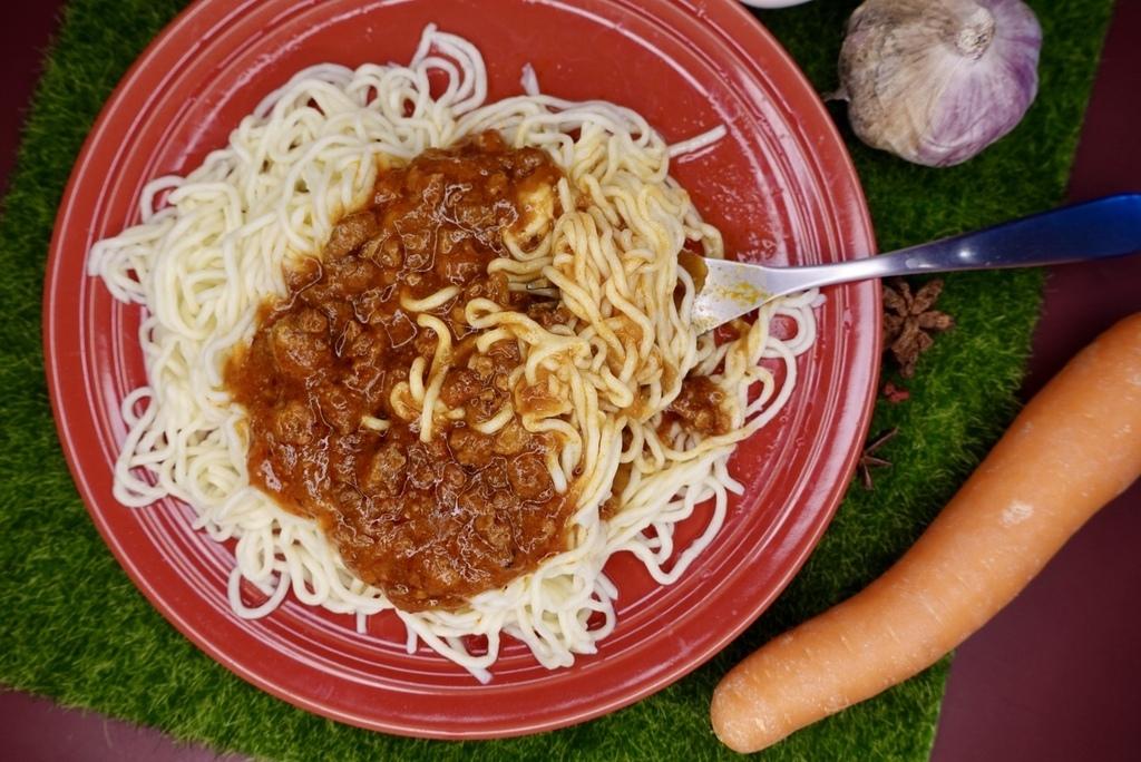 番茄肉醬蒟蒻義大利麵.jpg