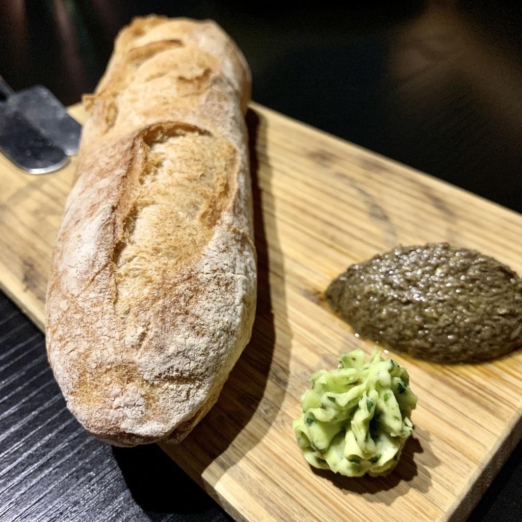 一號島廚房_天然酵母麵包與三種抹醬.jpg