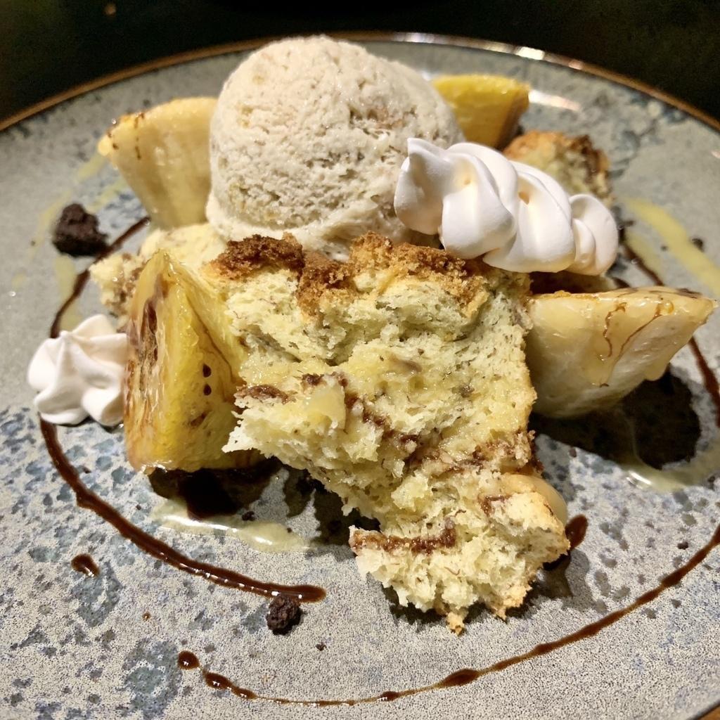 焦糖香蕉溫蛋糕與香蕉冰淇淋01.jpg