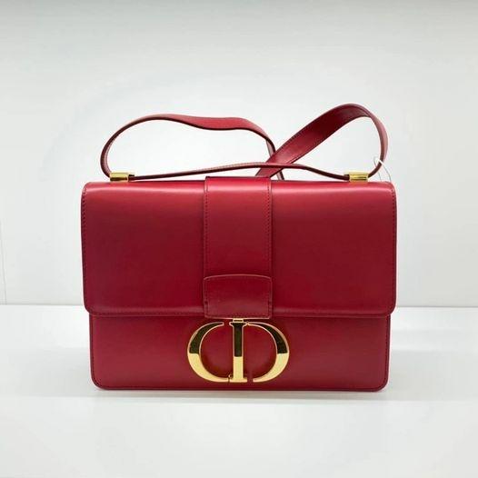 Dior蒙田30紅色金釦.jpeg