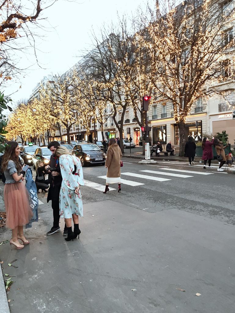 巴黎蒙田大道街拍.JPG