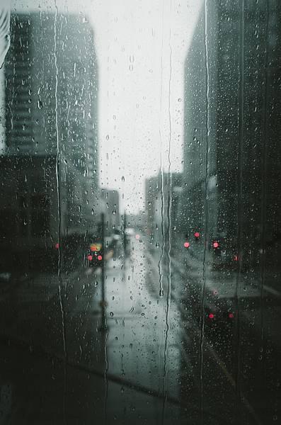 black-and-white-blur-blurred-background-2448749.jpg