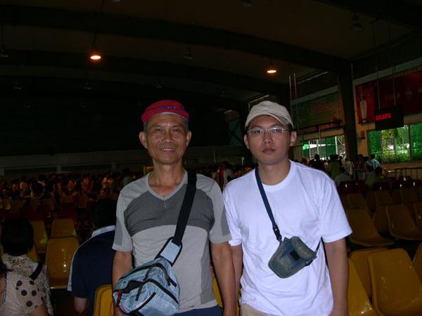 0811-3深圳火車站上車情景