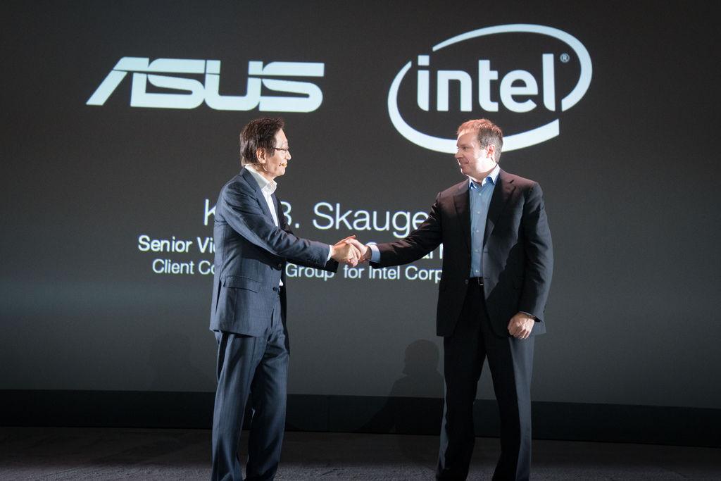 Intel資深副總裁Kirk Skaugen今日亦到場為華碩站台表示,「Intel和華碩對科技懷抱同樣的熱情。ZenFone的成功,尤其代表著雙...