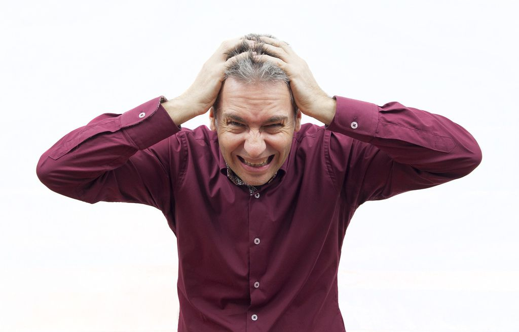 掉髮治療、大量掉髮原因、掉髮怎麼辦、大量掉髮看哪科、嚴重掉髮要看哪一科、突然掉髮嚴重、異常掉髮原因、禿頭原因、遺傳禿頭解決01.jpg