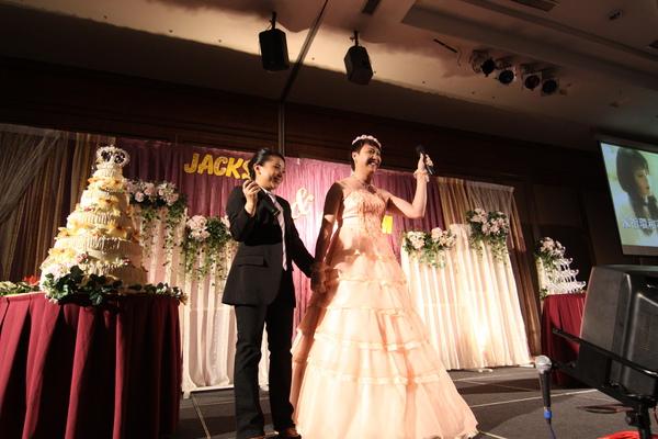好高大的新娘