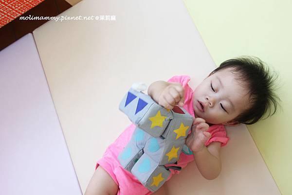 snoozebaby5_8.jpg