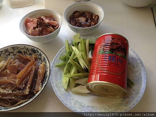 【年菜】魷魚螺肉蒜湯