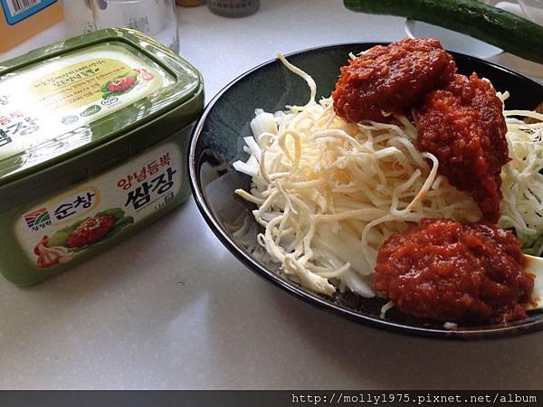加入韓式拌醬