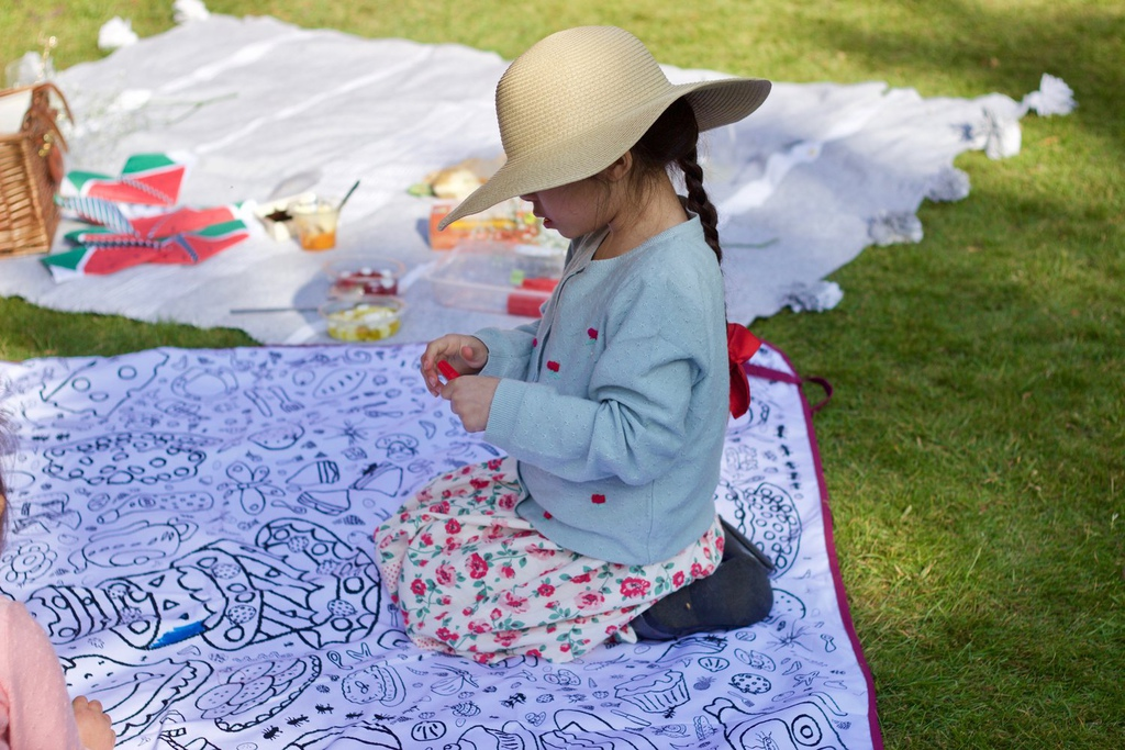 Eggnogg-colour-in-picnic-blanket-mummygorgeous.jpg